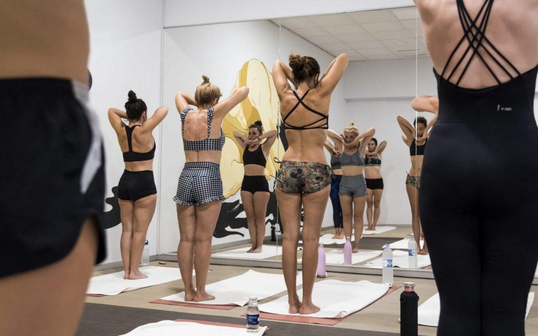 Yoga para inducir menstruación